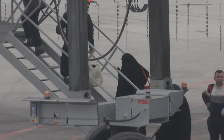 Alman vatandaşı 6 terörist sınır dışı edildi