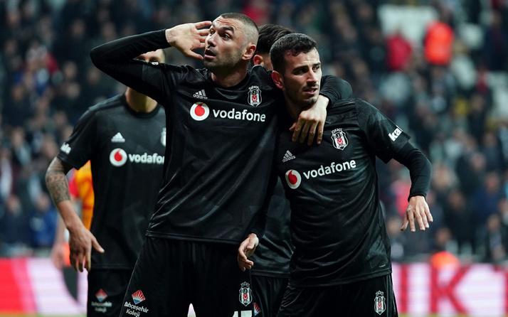 Beşiktaş Burak Yılmaz'ın sözleşmesini 1 yıl daha uzattı