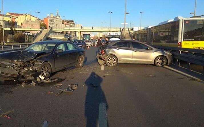 E-5'teki trafik kazası trafiği kilitledi! 2 şerit trafiğe kapatıldı