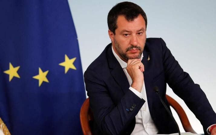 Aşırı sağcı İtalyan lider Salvini Türk fındığı içerdiği için Nutella yemeyecekmiş
