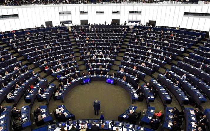AB'den Erdoğan'ı haklı çıkarak hamle! Yunanistan'a  700 milyon euro