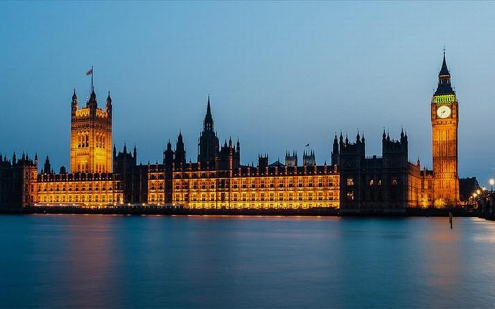 İngiliz mahkemesinden MI5'e suç işleme izni