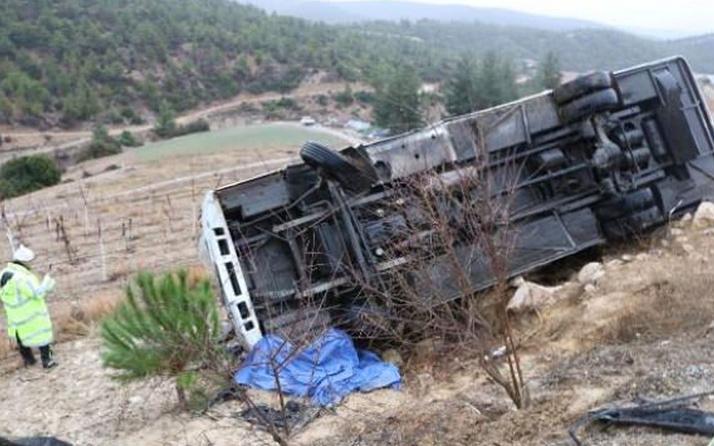 Denizli Honaz'da yolcu midibüsü devrildi: Ölü ve çok sayıda yaralı var