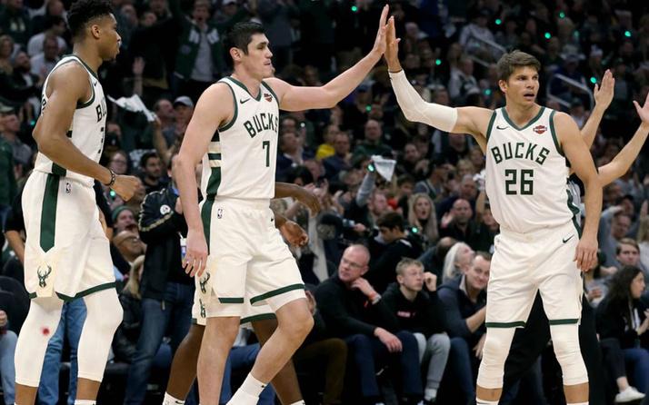 """Ersan İlyasova """"double-double"""" Milwaukee Bucks fark attı"""