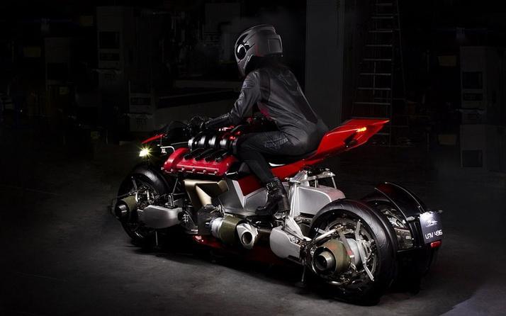 Hem karada hem de havada gidebilen motosikletten yeni görüntüler