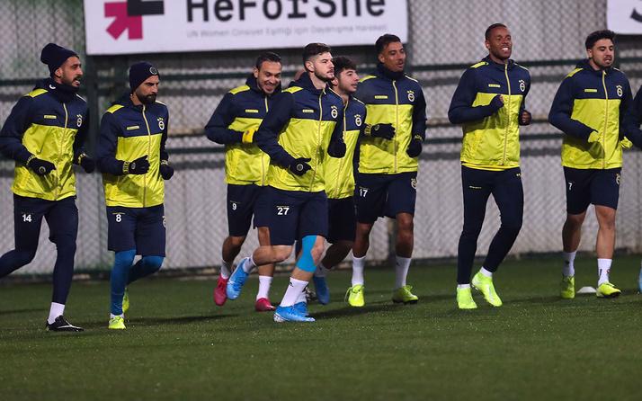 Sağanak yağış Fenerbahçe'yi vurdu