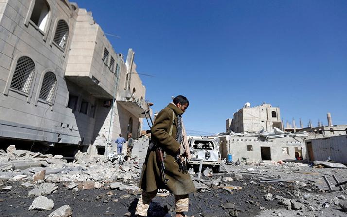 Yemen ordusu Husilere ait bir İHA düşürdü