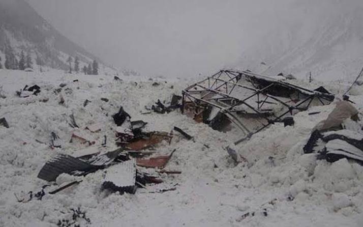 Pakistan'ın Keşmir bölgesinde çığ felaketi: Çok sayıda ölü var