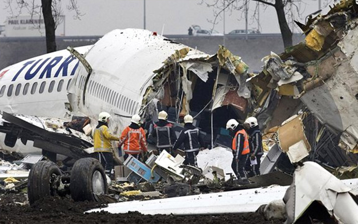 Amsterdam'da düşen THY uçağıyla ilgili korkunç iddia! Sümenaltı edildi