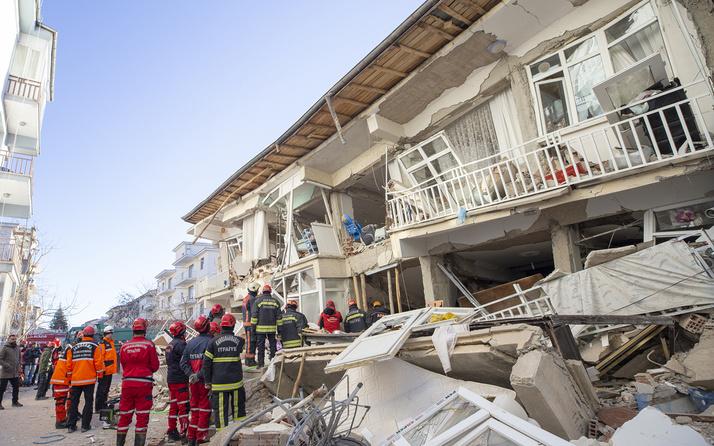 Naci Görür'den korkutan deprem uyarısı