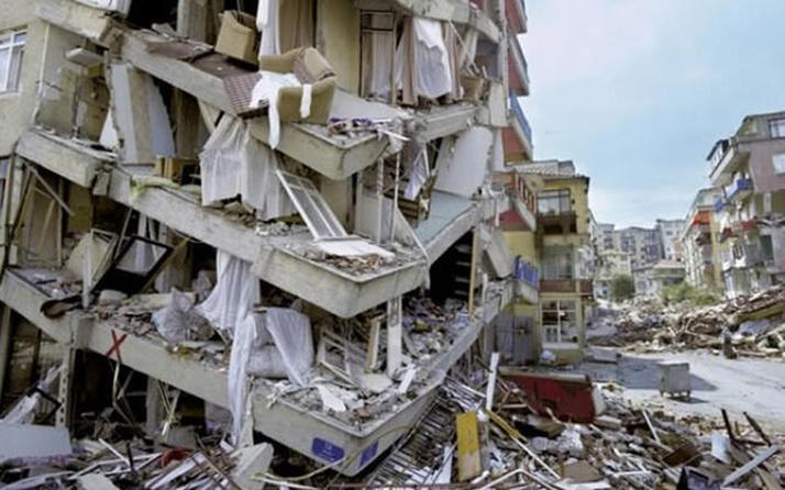 Elazığ deprem bölgesinde hırsızlık yapan 6 kişi tutuklandı