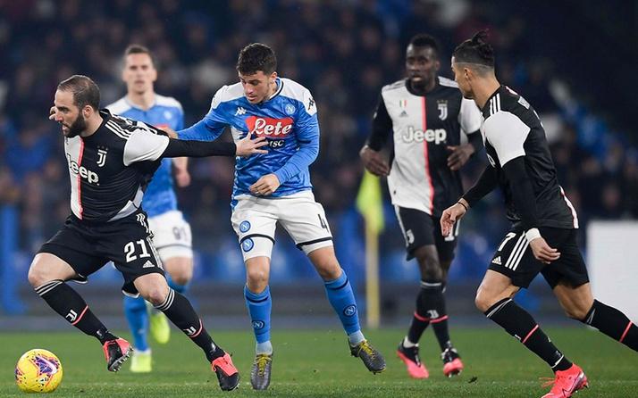 Lider Juventus'a Napoli çelmesi