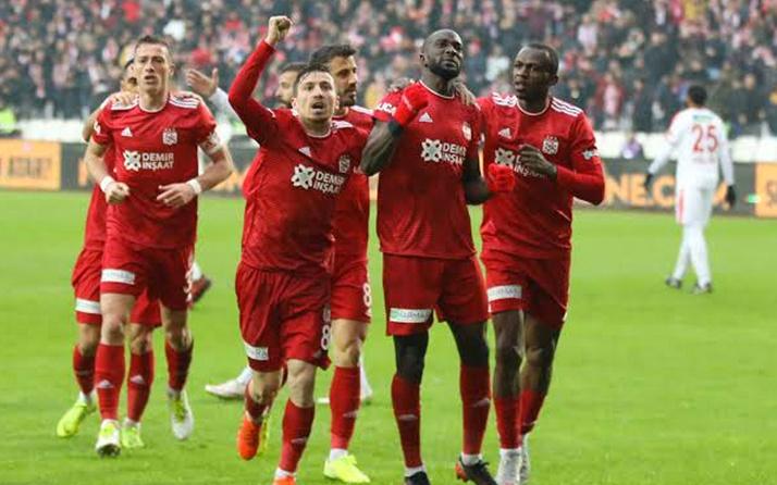 Sivasspor'un golcüsü Arouna Kone'den kötü haber