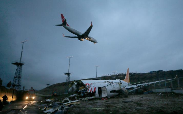 Sabiha Gökçen Havalimanı'nda uçuşlar tekrar başladı