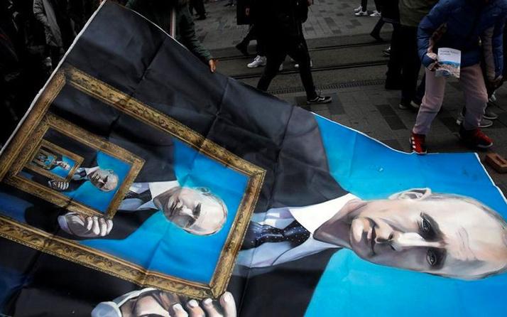 İstiklal Caddesi'nde Putin gerilimi Rus sanatçı ortalığı birbirine kattı