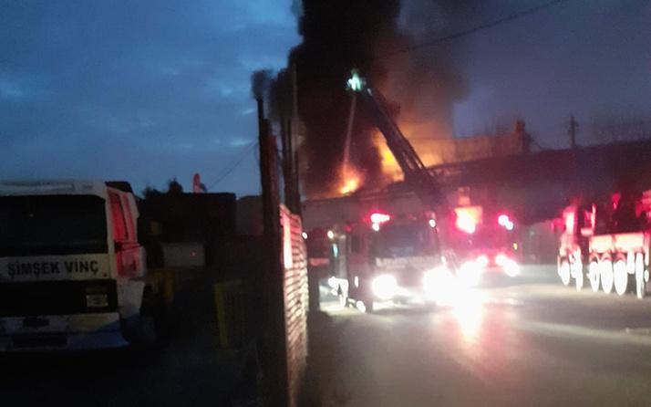 Pendik'te fabrika yangını korkuttu