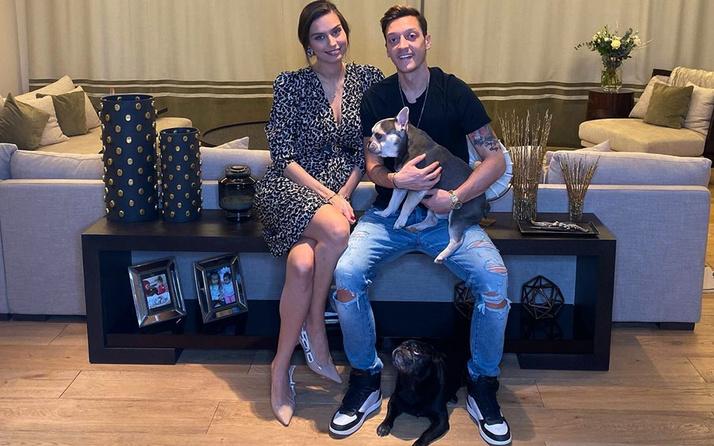 Mesut Özil ile Amine Gülşe'nin bebek heyecanı