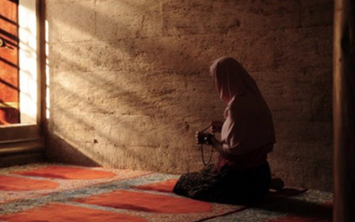 Adetliyken hangi dualar okunmaz, regl halindeyken nasıl ibadet edilir?