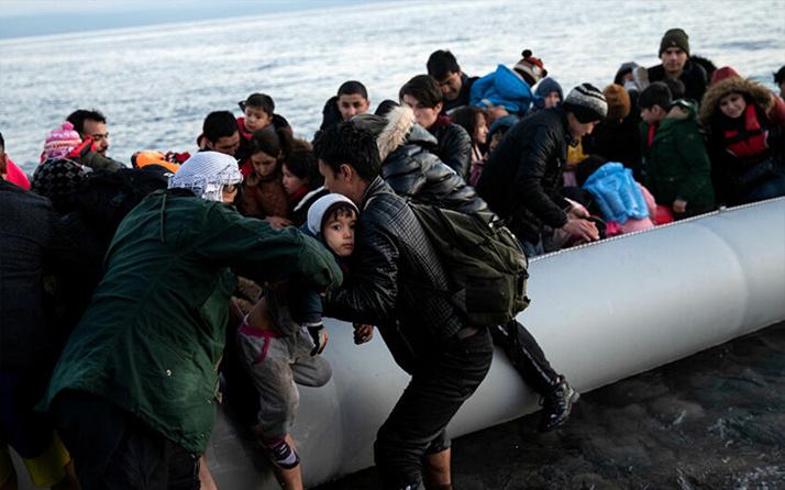 Soylu Yunanistan'a geçen göçmen sayısını açıkladı