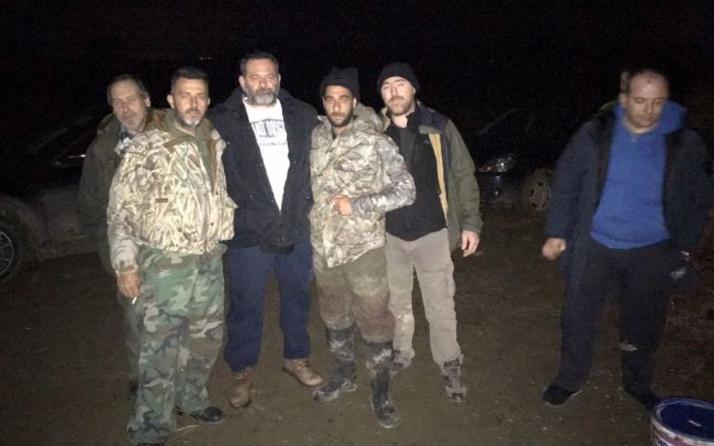 Türk bayrağını yırtan Irkçı Yunan vekil Türkiye sınırında