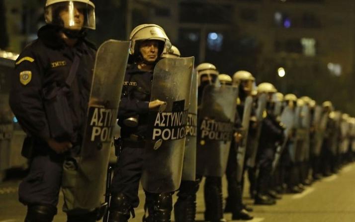 Atina'da terör örgütü DHKP-C'ye yönelik operasyon 20'den fazla gözaltı