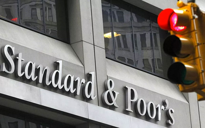 Standard & Poor's'dan euro bölgesi ve İngiltere için resesyon uyarısı