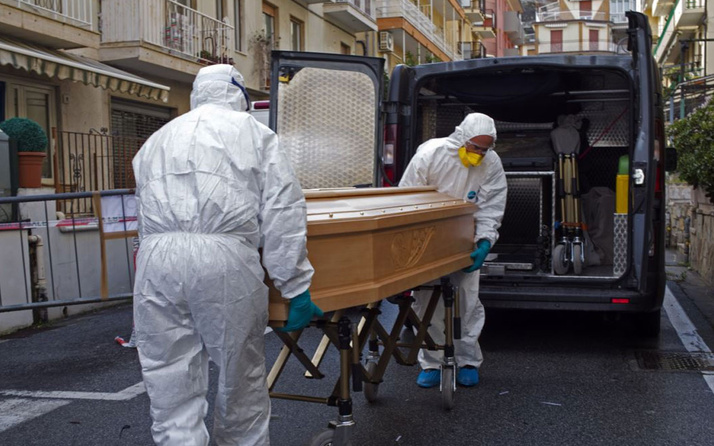 Fransa'da coronavirüsten aynı günde ölenlerin sayısı İtalya'yı geçti