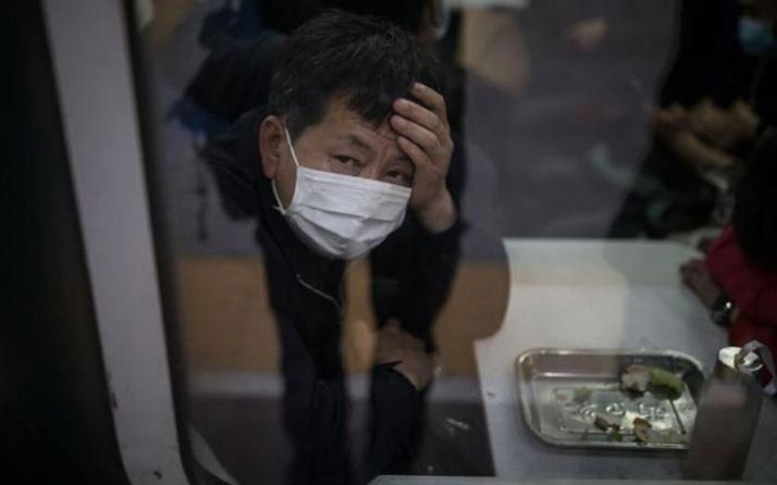 Koronavirüs salgınına karşı sürü bağışıklığı mı daha etkili sokağa çıkma yasağı mı?