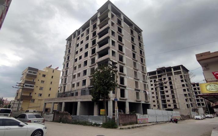 Osmaniye'de 10 katlı binadan düşen inşaat işçisi feci şekilde can verdi