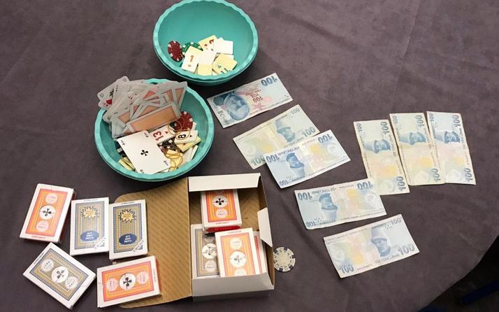 Balıkesir'de evde kumar oynayan 10 kişiye 39 bin lira ceza verildi