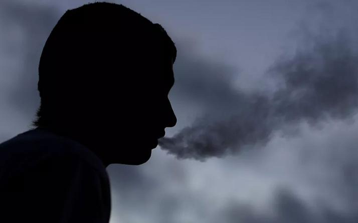 DSÖ'den çarpıcı uyarı: Sigara içmek Kovid-19'un ağır formda gelişmesine yol açıyor
