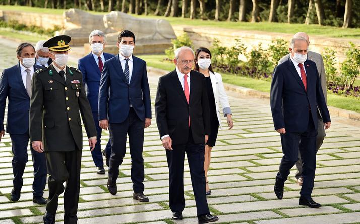 CHP Kılıçdaroğlu'ndan Anıktabir'e ziyaret