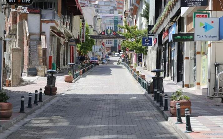 Yarın yasak var mı 28-29 Mayıs hafta sonu sokağa çıkma yasağı saatleri