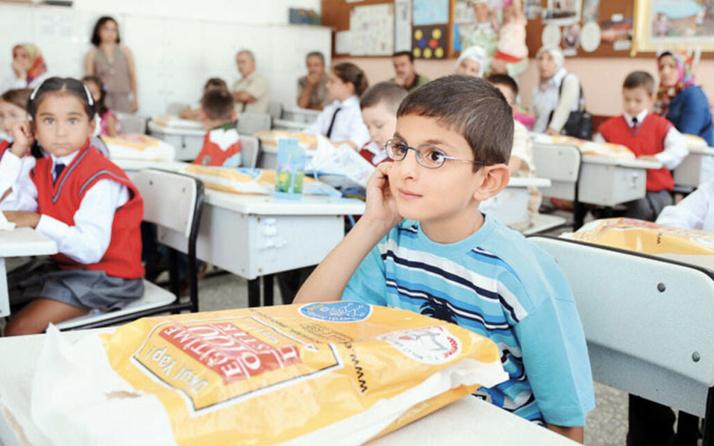 Anaokulu yaşı kaç olmalı MEB 2021 kaç aylıklar kayıt yaptırıyor?