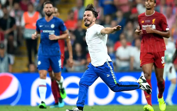 Maçta sahaya atlayan YouTuber ve 3 arkadaşına dava açıldı