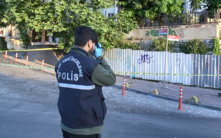 Fatih'te yol ortasında kanlar içinde bulundu hastaneye kaldırıldı