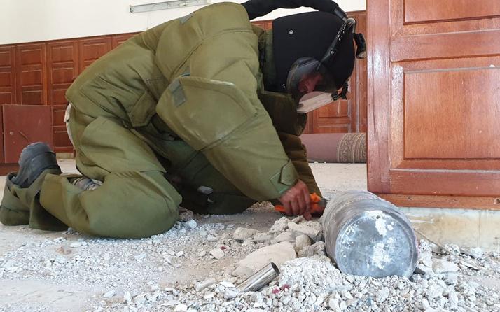TSK ekipleri Libya'da Hafter milislerinin camiye attığı top mermisini imha etti