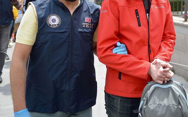 İzmir'de FETÖ operasyonunda yakalanan şüphelilerden 438'i tutuklandı
