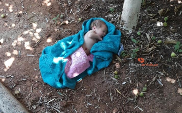 Antalya'da cami avlusuna bebek bırakıldı!