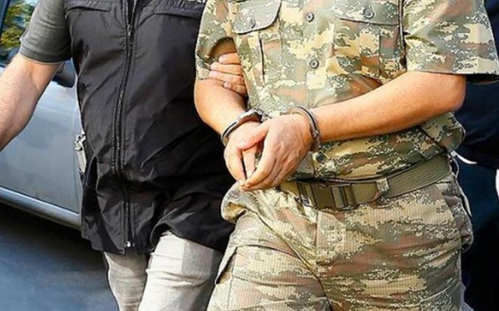 İzmir'de FETÖ'nün TSK yapılanmasına dev operasyon! 218'i muvazzaf 238 kişiye gözaltı