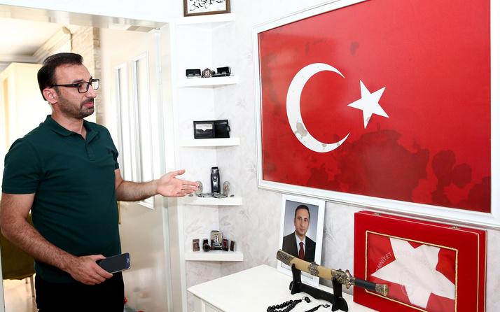 15 Temmuz'da kanının bulaştığı Türk bayrağını bırakmadan şehit oldu