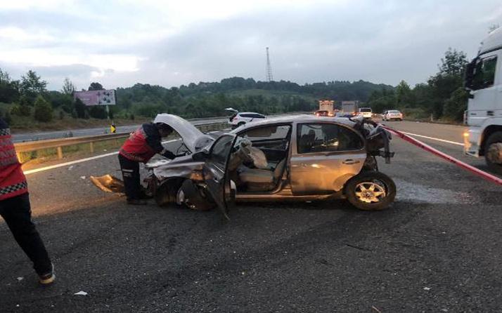 Otoyolda arıza yapan otomobil zincirleme kazaya neden oldu