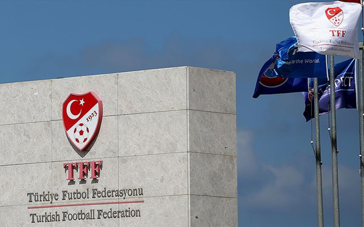 Türkiye Futbol Federasyonu (TFF) Altaylı futbolcu Erhan Çelenk'i kutladı