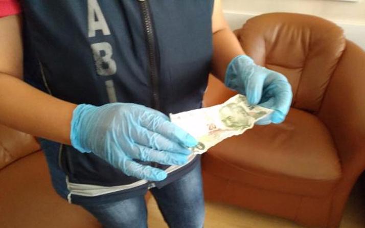 Dilenci topladığı paraları bakın nereye saklamış!