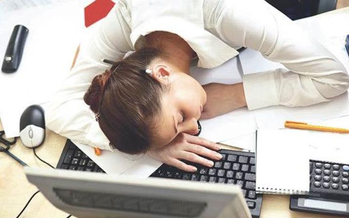 Sıcaktan uykuya daldı kovuldu! Yargıtay çalışanlar emsal tazminat kararı
