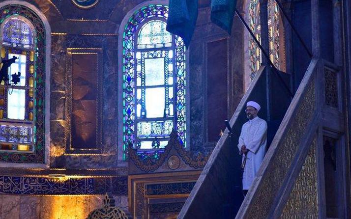 Ali Erbaş Ayasofya'da Kurban Bayramı hutbesini de kılıçla okudu!
