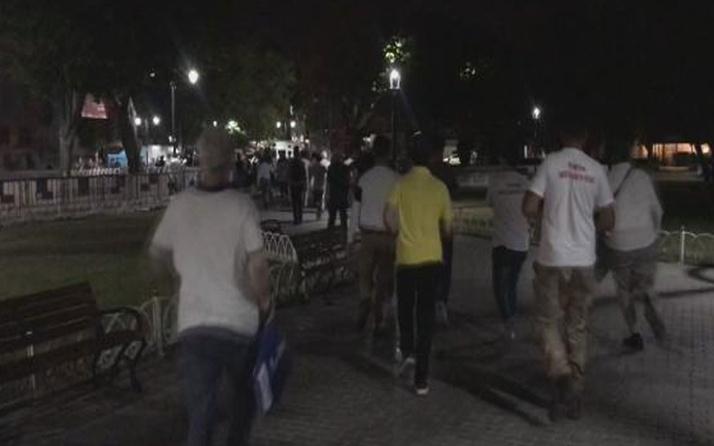 Ayasofya Camii'ne bayram namazı için koşarak geldiler