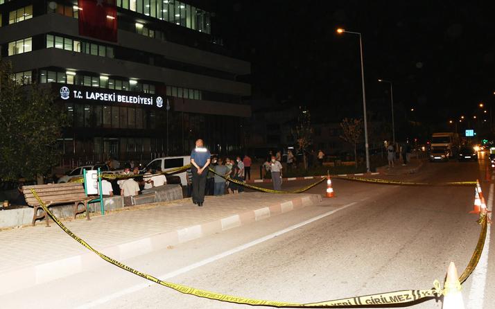 Lapseki Belediyesi binasına silahlı saldırı! 2 şüpheli yakalandı