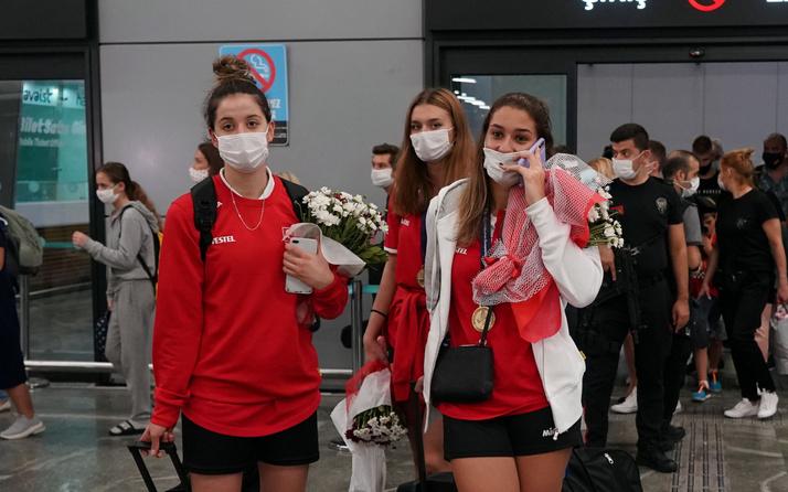 Avrupa Şampiyonu milliler yurda döndü