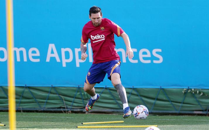 Lionel Messi Barcelona ile idmanlara çıktı